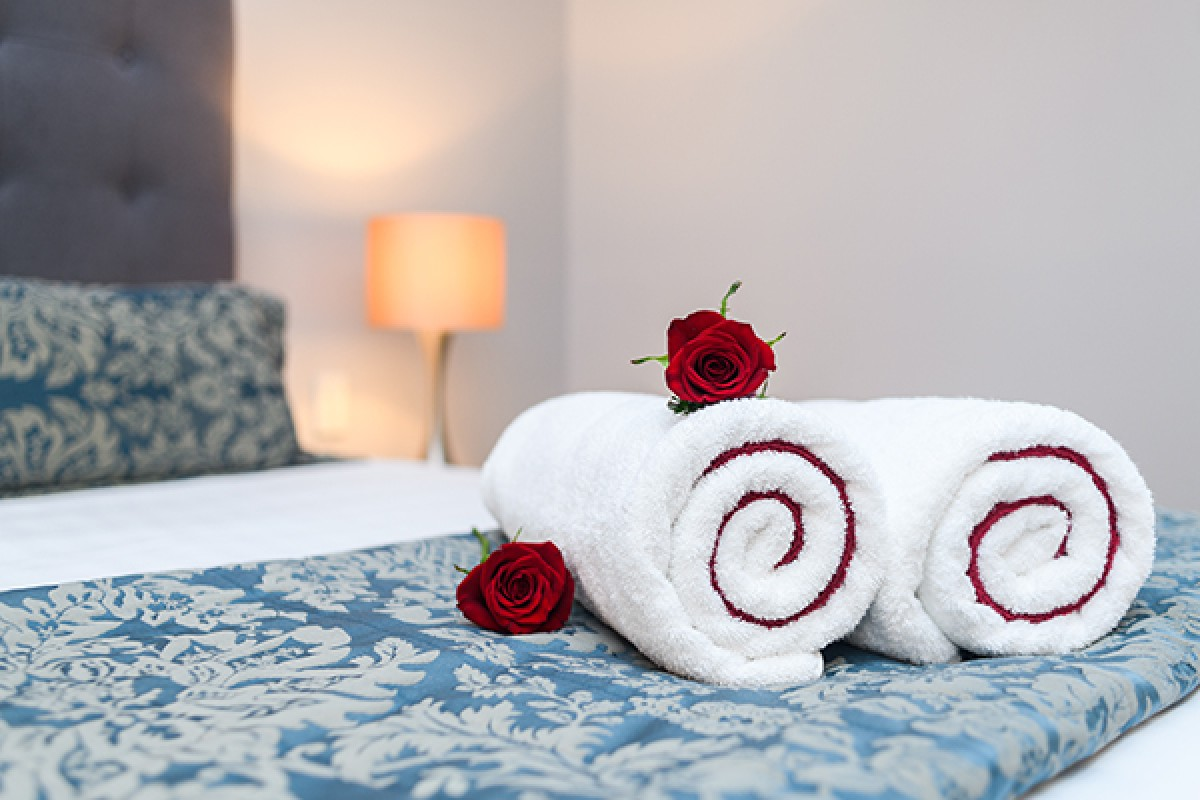 Aubyn Court Spa Motel Room ROMANTIC PACKAGE